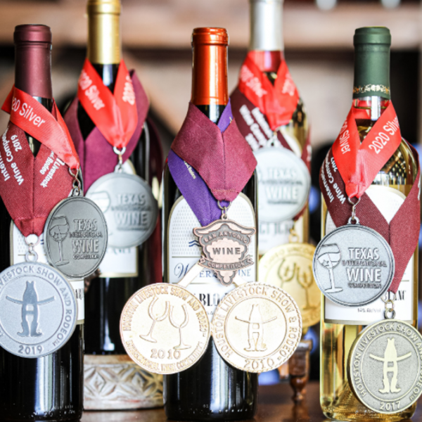 award winning wines from water 2 wine neighbrohood winery in new braunfels